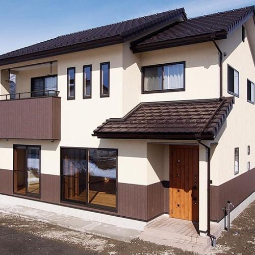 腰壁デザインの注文住宅