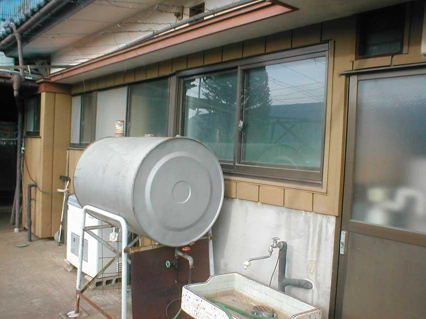 薪ボイラーと煙突を撤去