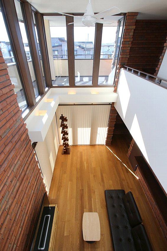 天井までの窓