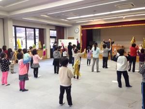 子供たちの木遣り歌の練習風景