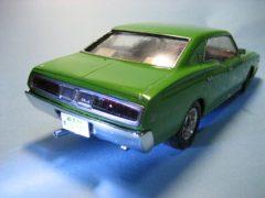 緑の塗装をしたプラモデルカー